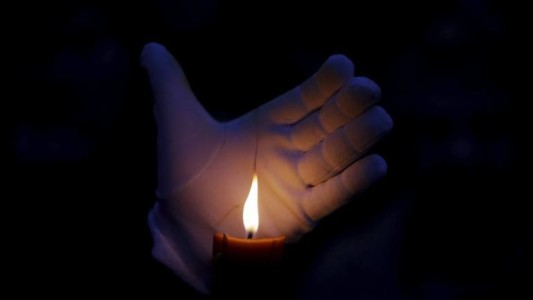 Don't use alcohol-based hand sanitisers before lighting candles or diyas on April 5: Govt