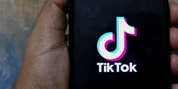 Amazon Tells Employees to Delete TikTok From Mobile Devices on Security Concerns